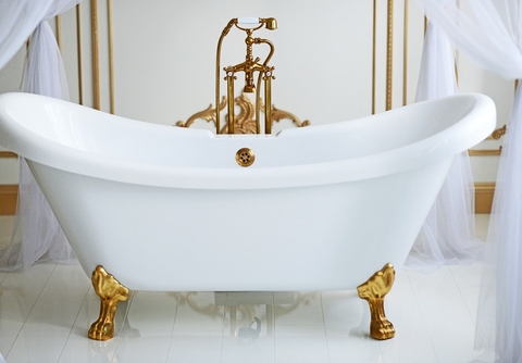A Brief History Of Clawfoot and Whirlpool Bathtubs